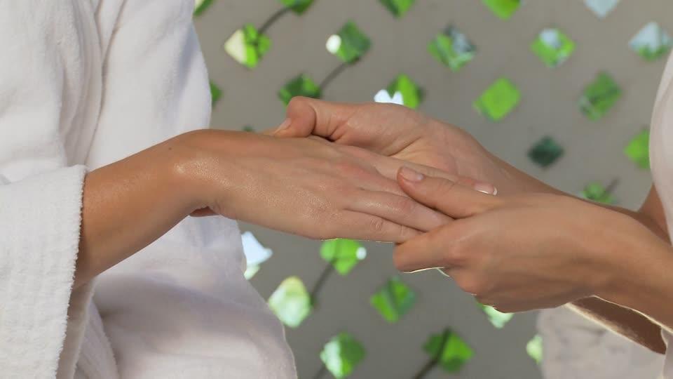 massage-mains