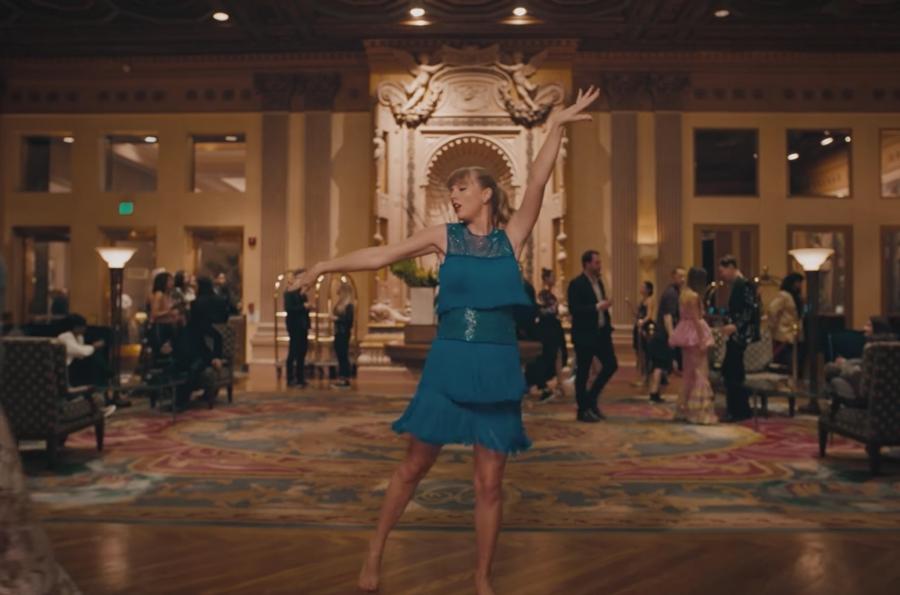 11-Taylor-Swift-Delicate-screenshot-billboard-1548